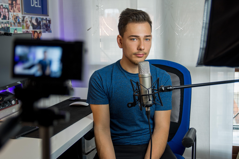 make money online filming on youtube, youtube superstars